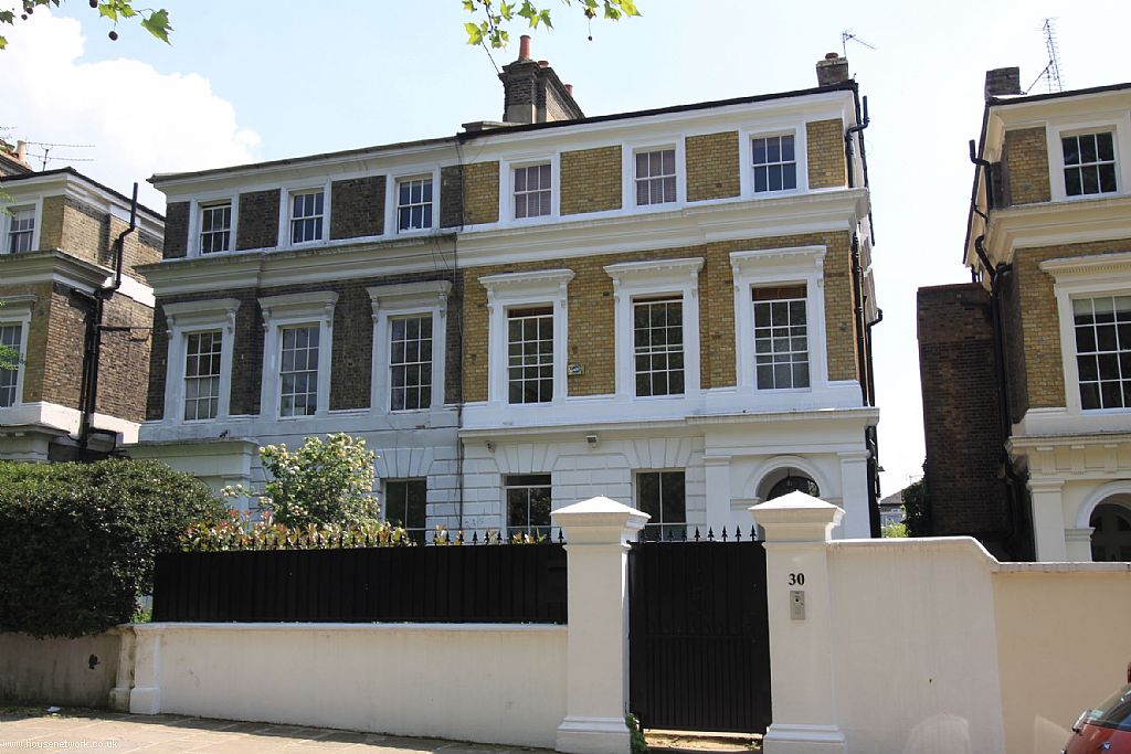 Amy winehouse camden home goes on sale ldnfashion for Camden home
