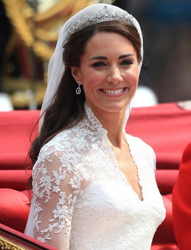 kate middleton 1 610x798 Kate Middleton wins Best Celebrity Smile accolad